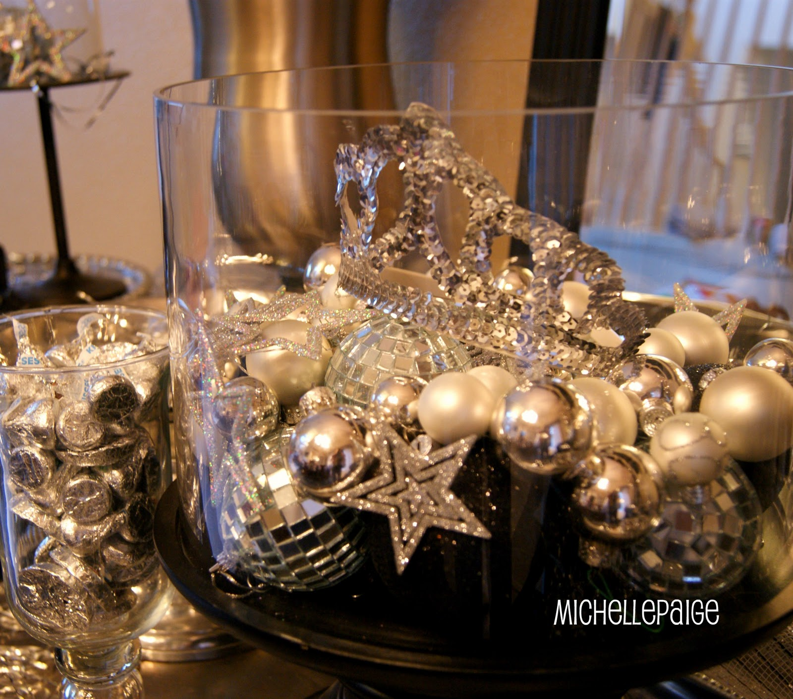Michelle paige blogs new year 39 s eve decor for Decoration new year