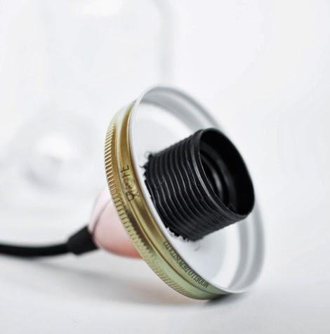 conso re cr ative cr er un luminaire r cup 39 avec des pots. Black Bedroom Furniture Sets. Home Design Ideas