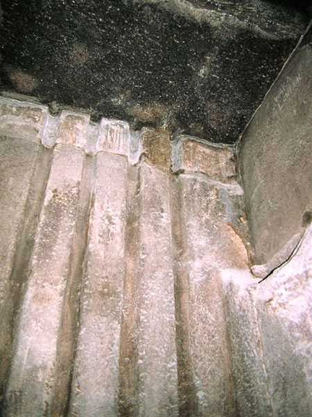 Guide lines on the wall of Antechamber in Khufu pyramid