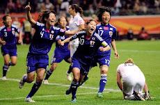 """日本女子サッカー""""なでしこ""""、2011W 杯で初優勝!"""