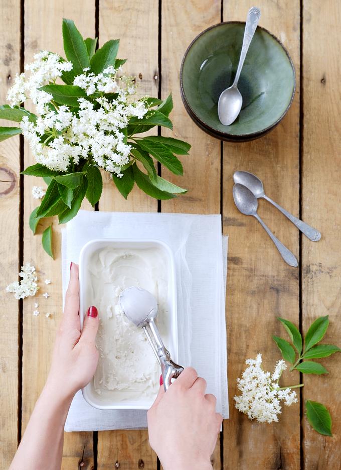 Glace végétale aux fleurs de sureau - Vegan elderflower ice-cream