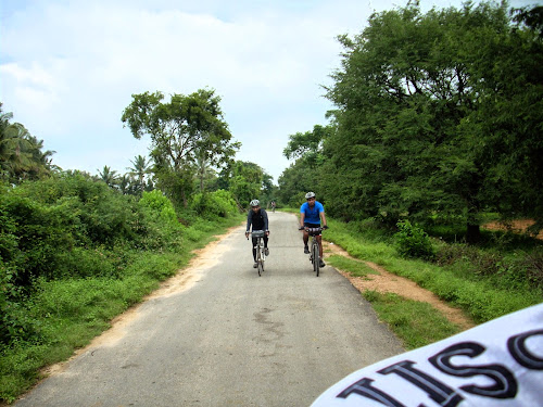 Cycling on village roads in Anusonai in Tamil Nadu