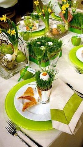 Decoración de mesa fresca y primaveral