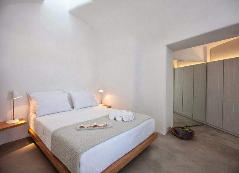 Una casa en santorini donde el blanco se funde con la luz for La pietra tradizionale casa santorini