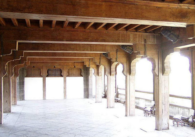 A hall in the first floor above dilli darwaja (Delhi Gate) in Shaniwarwada