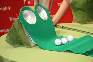 Bra yang bisa untuk main Golf....!!!| http://poerwalaksana.blogspot.com/