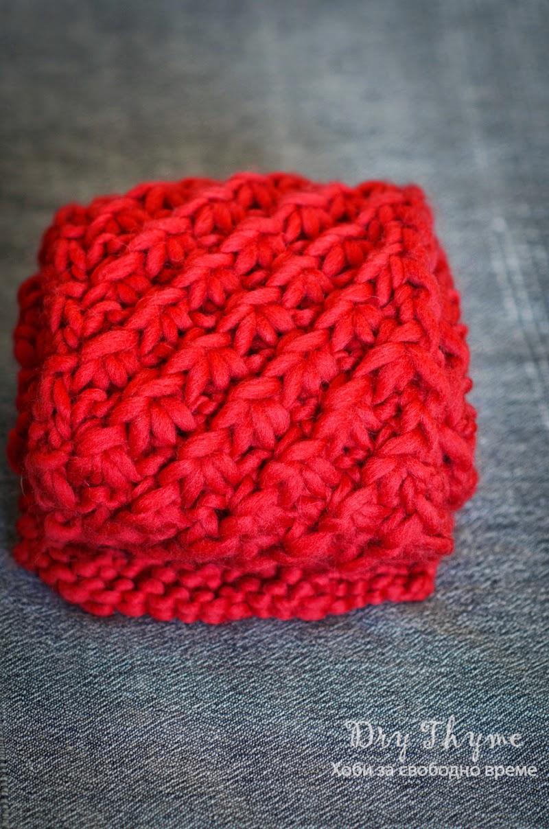 Червен вълнен шал