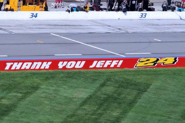 Fontana's Tribute To Retiring NASCAR Driver – Jeff Gordon