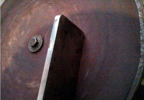 Homemade the photocopy of iPhone 5 with a piece of steel