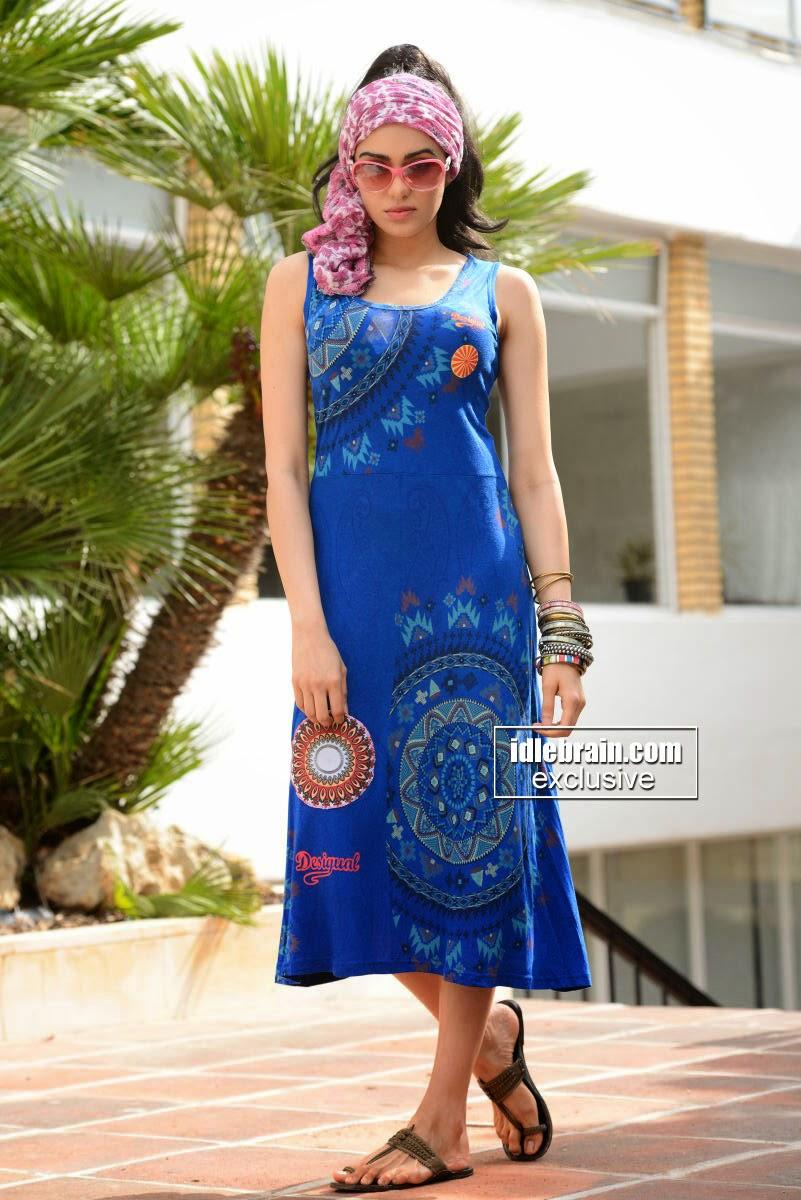 Adah Sharma blue dress