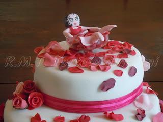 torta betty boop per i 50 anni di una signora frou frou :)