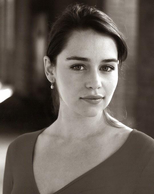 Emilia_Clarke_Hot