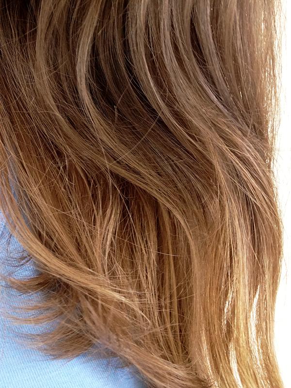 alors oui videmment la gele claircissante assche les longueurs il ne peut pas en tre autrement car mme si le produit reste faiblement dos - Eclaircissant Sur Cheveux Colors