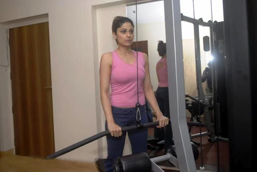 new test- shamita shetty gym workout hot images