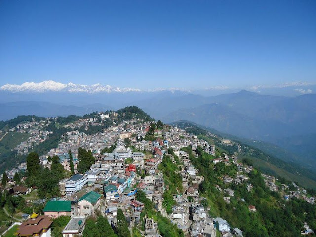 Paragliding a Darjeeling and India