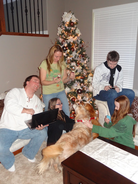 Christmas family photo wrong chaos