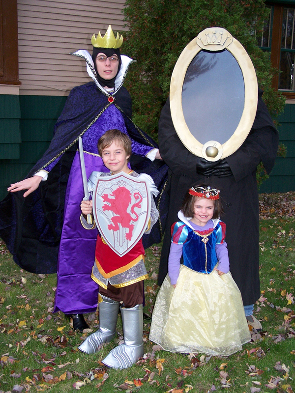 more awesome halloween costumes - Family Halloween Costumes For 4