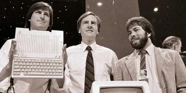 Pendiri Apple ada tiga orang