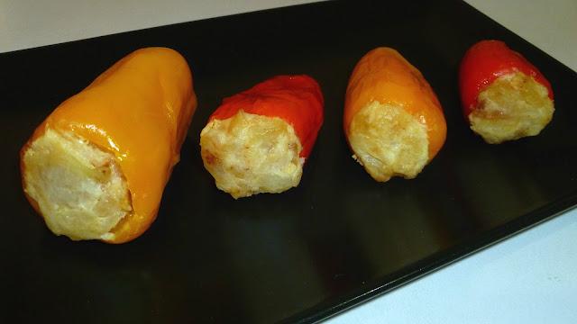 Pimientos tricolor rellenos de tortilla
