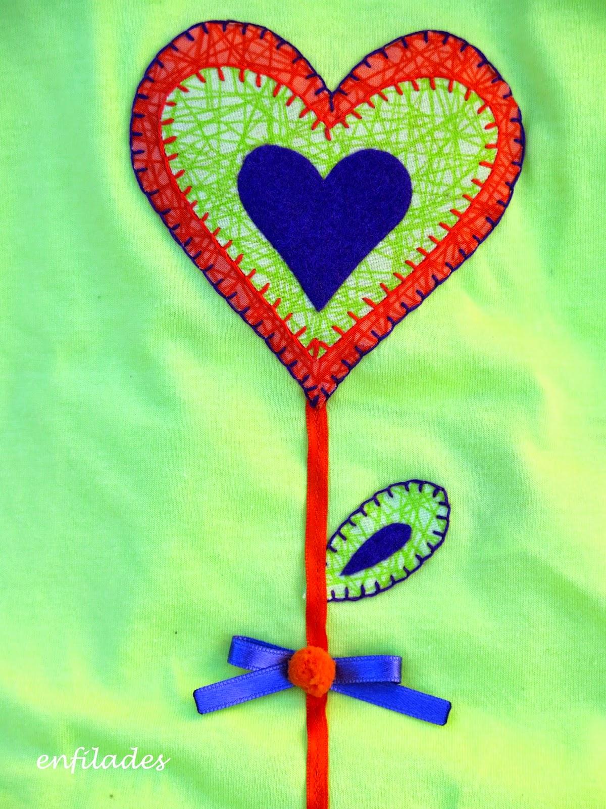 Samarreta feta a mà - piruleta de cor Enfilades