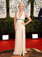 Марго Роби в елегантна права рокля с цепка на Gucci - Златен глобус 2014