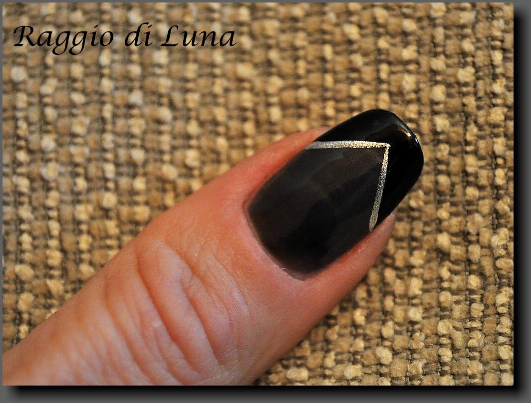 Raggio di Luna Nails: V french manicure - grey & black