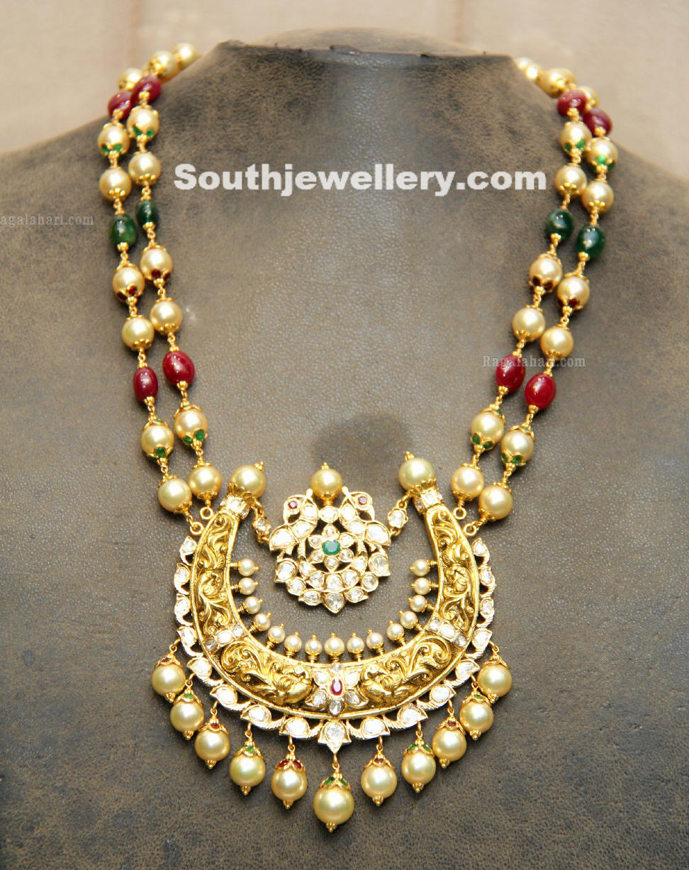 Beautiful 22 carat gold chains with matching pendant designs latest - Classy Pearls Necklace With Beautiful Pendant