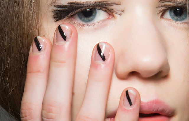 House of Holland automne 2015 ongles nail art espace négatif minimaliste