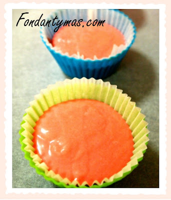 Cupcake de chocolate Tirma y fresa (proceso II). Fondantymas.com