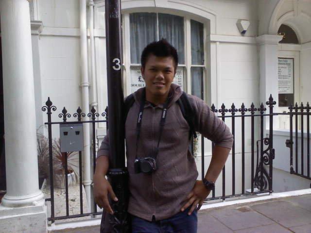 My Name..............Arghhh....Payah Sgt....Aku Aizuddin :)