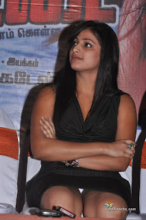 actress hari priya shows her pantee hot spicy pics photos images3