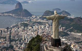 تمثال المسيح الفادي في البرازيل