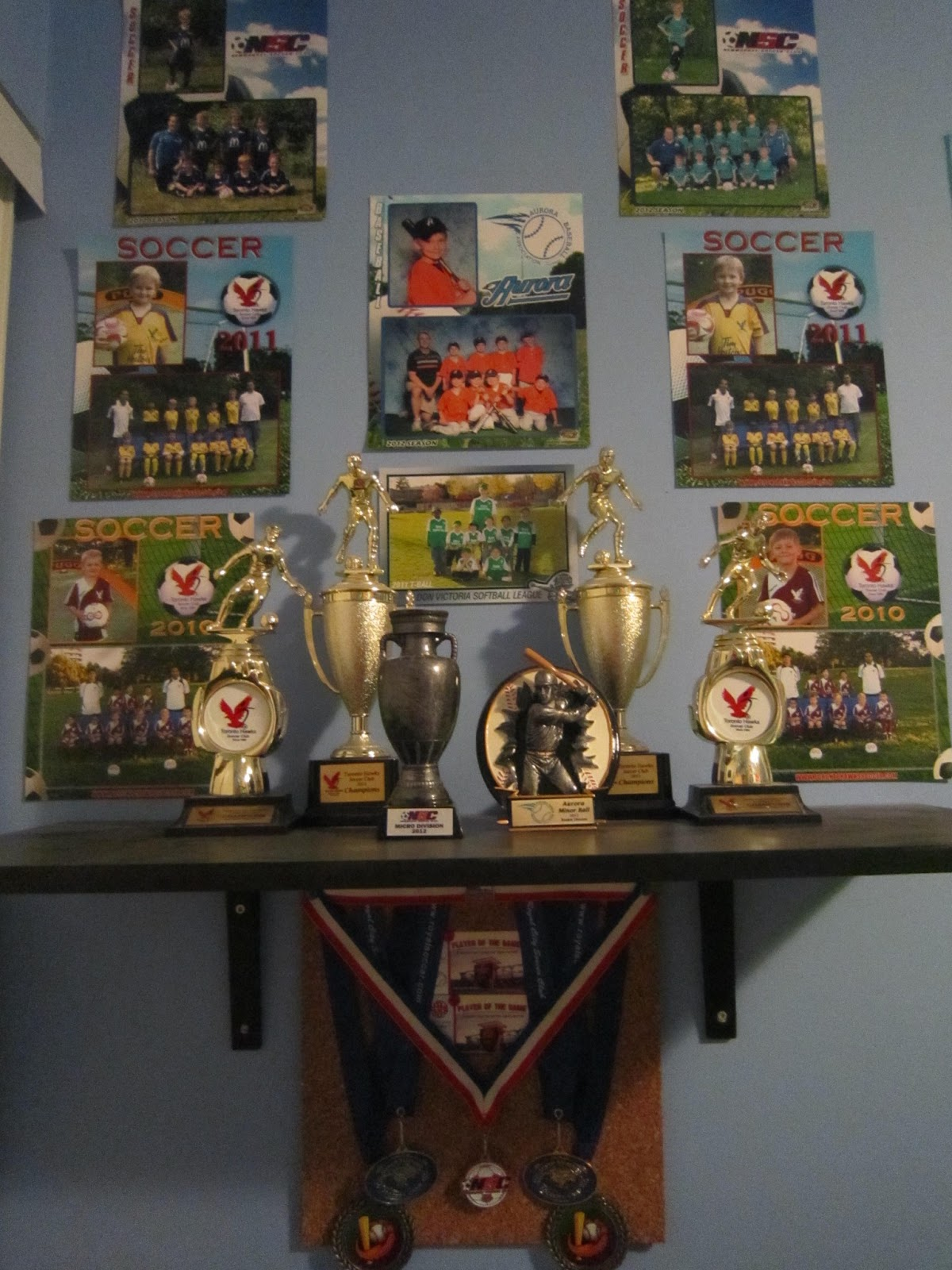 vanity wall, sports trophies, sports-themed decor, kids bedroom decor, boys bedroom decor