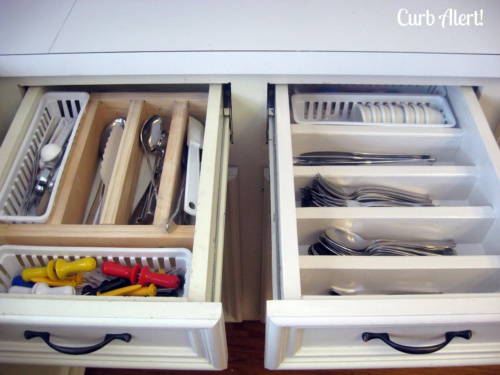 Organizing Chaos {Updating Kitchen Drawers}