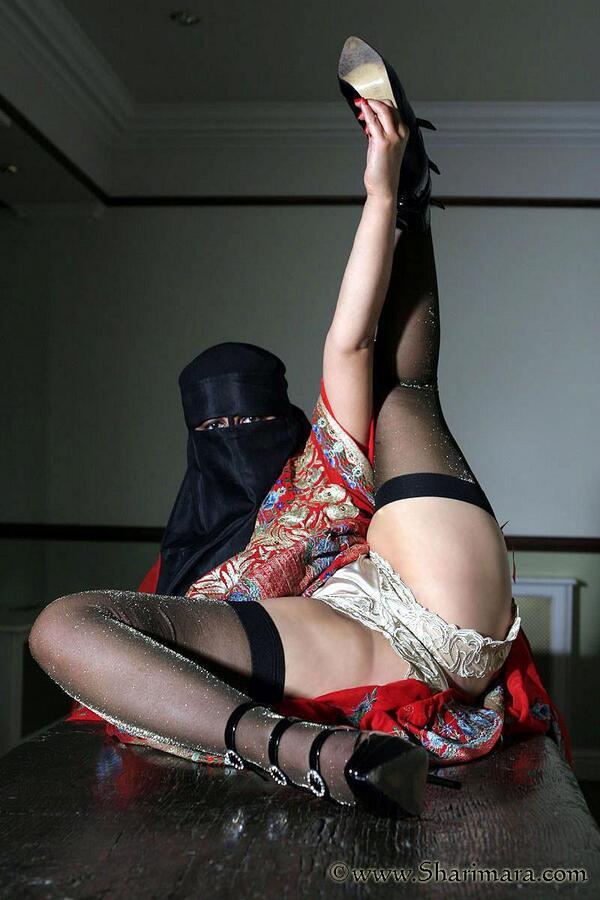 jilbabers pamer pantat seksi