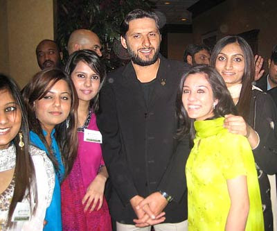 Shahid afridi wife latest wallpaper shahid afridi family latest