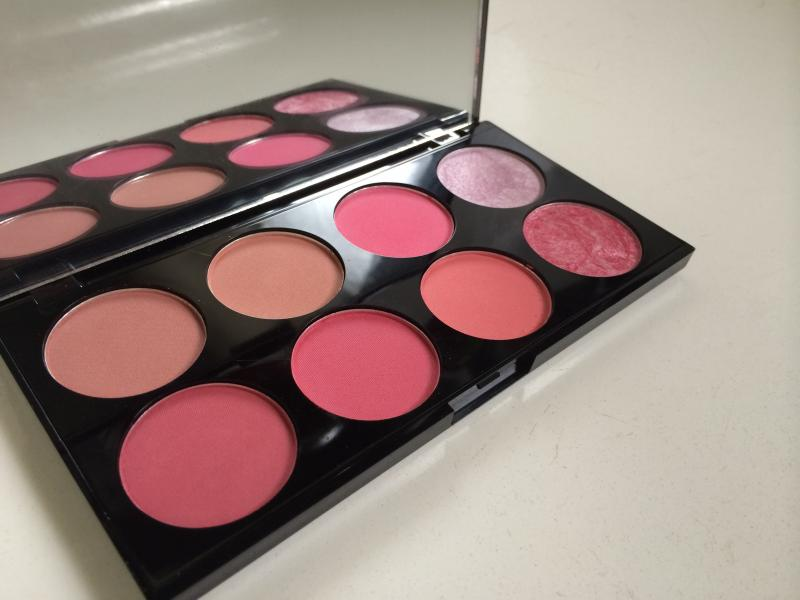 Make Up Revolution Sugar and Spice Blush and Contour Palette