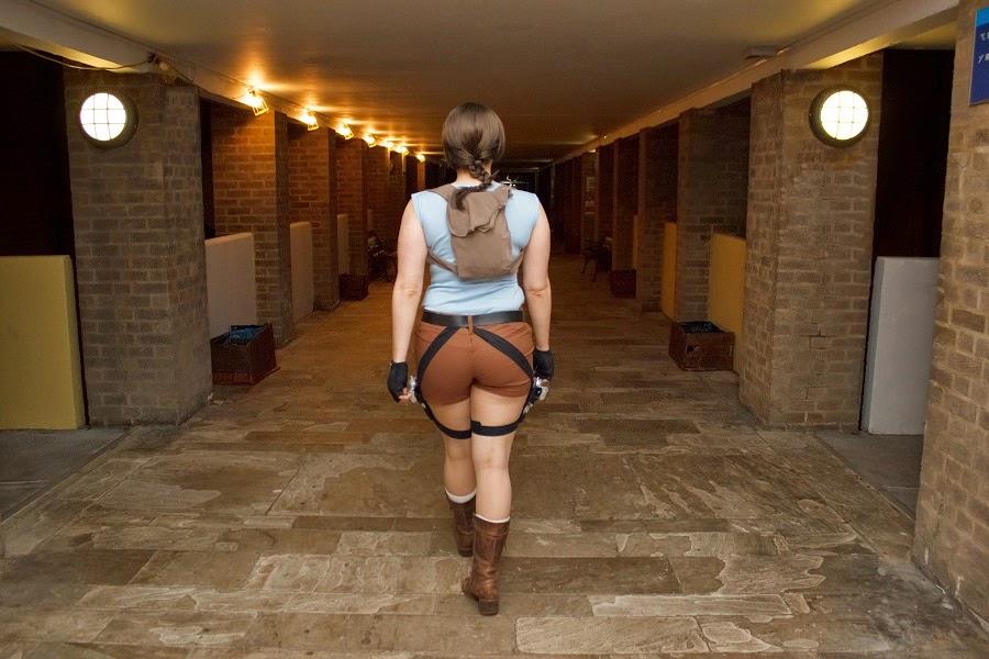 Tomb Raider Lara Croft Cosplay