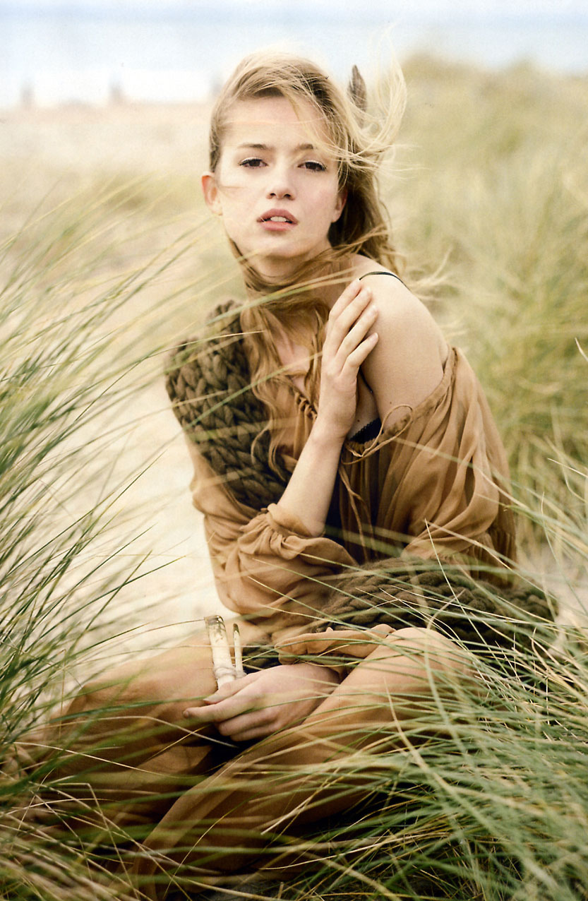 via fashioned by love | Anne-Marie Van Dijk in Harper's Bazaar UK January 2009 (photography: Tom Allen)