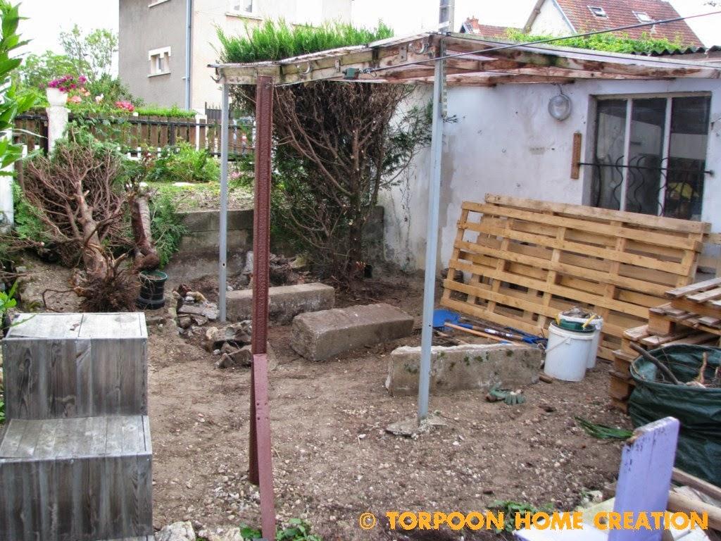 comment faire une terrasse en palette free with comment faire une terrasse en palette simple. Black Bedroom Furniture Sets. Home Design Ideas