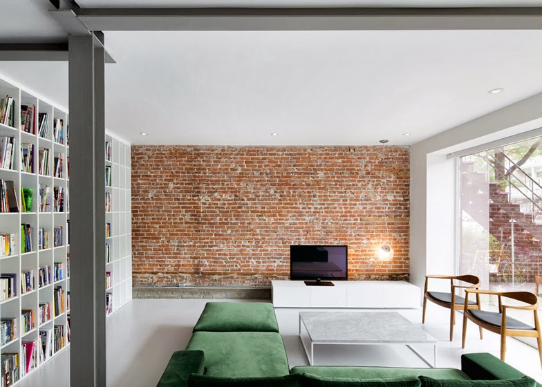 Interior exposed brick walls seaofgirasoles for White exposed brick wall