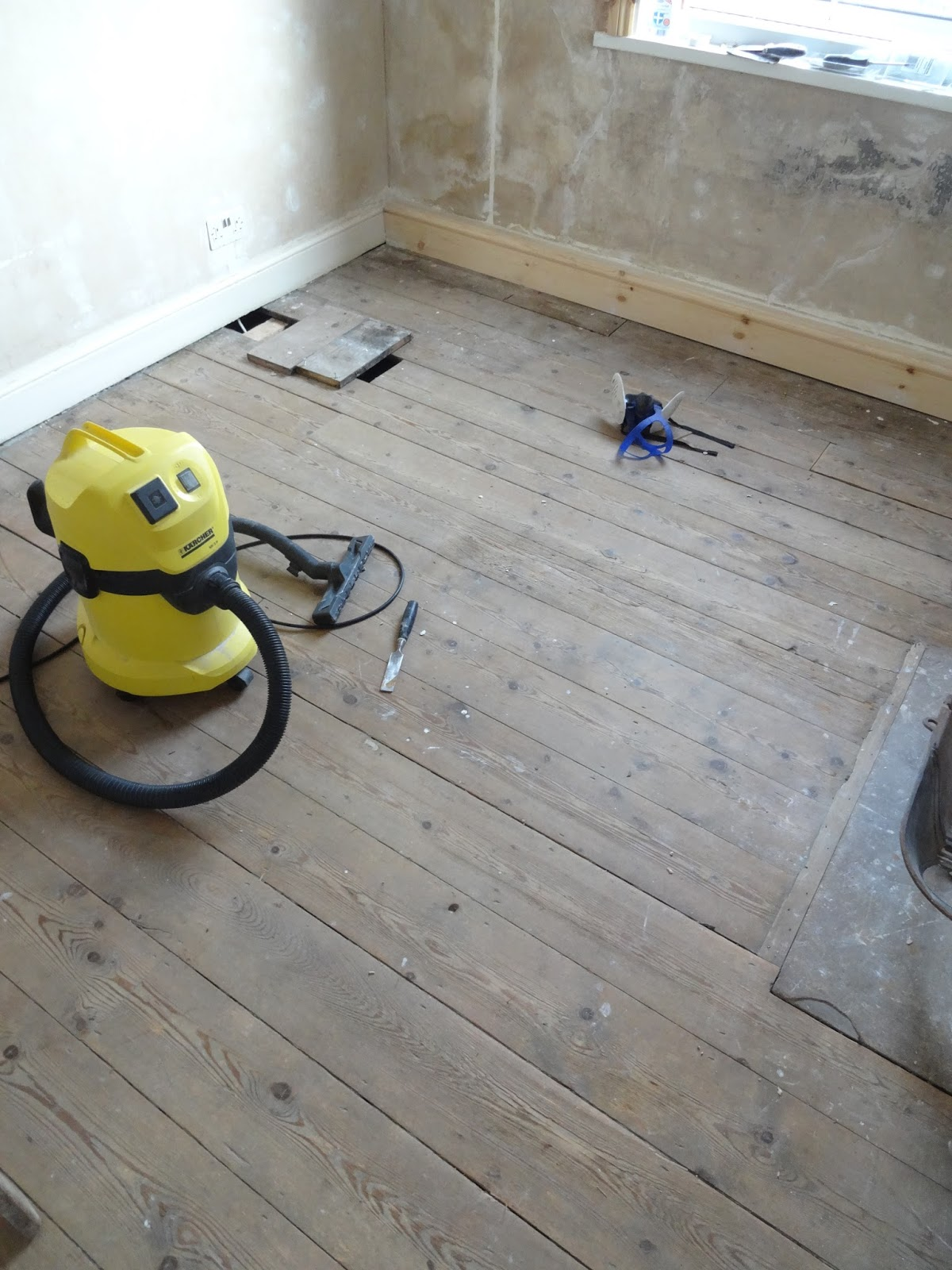 Uk Home Renovation Interiors And Diy Blog Doityourself Circuit Board Lamp 20 Do It Yourself How To Restore Floorboards Without Hiring A Professional Sander
