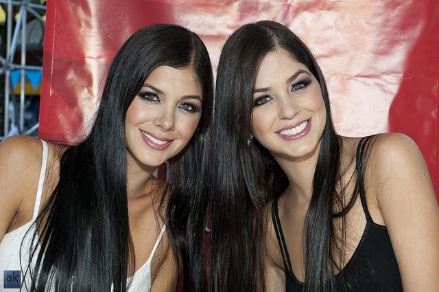 Marina and Camila Davalos 005