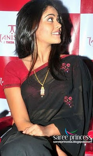 Bindu Madhavi1 - Tamil Actress Bindu Madhavi in black saree!