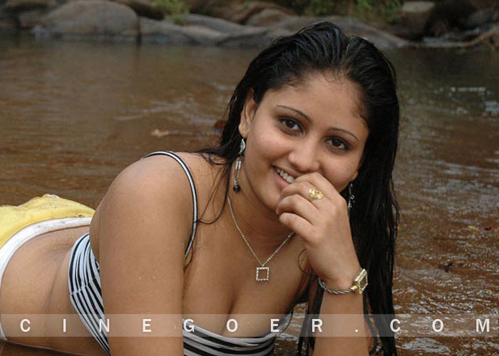 amrutha naked hot image