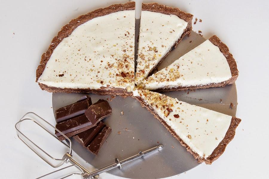 Tart sa bijelom i tamnom čokoladom