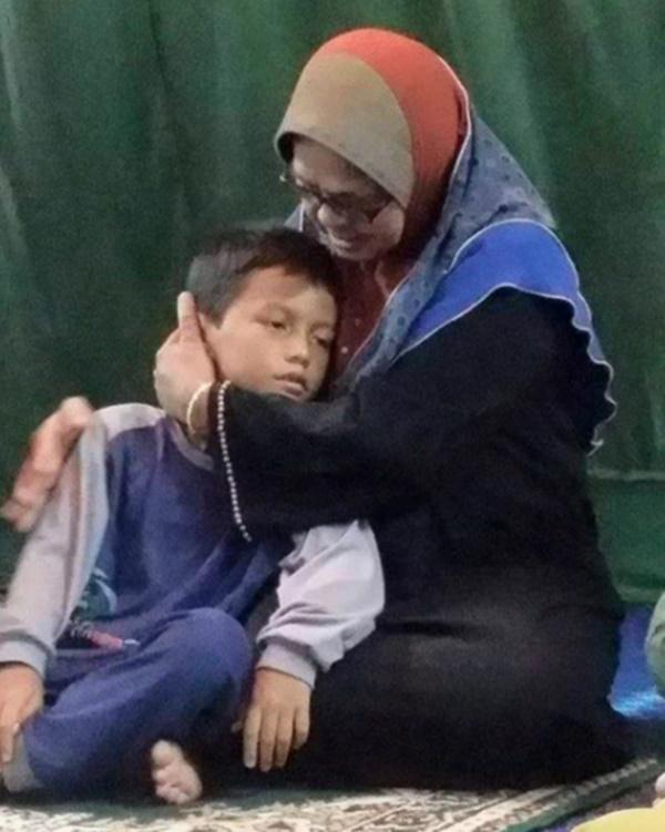 Wahai Anakanda Hasif, Perjuanganmu Baru Bermula - Nasihat Hiba Lelaki ini Buat Anak Mangsa Tragedi Air Terjun