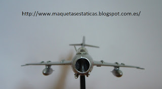 avión en miniatura Italeri Mikoyan Gurevich Mig-17 F Fresco C