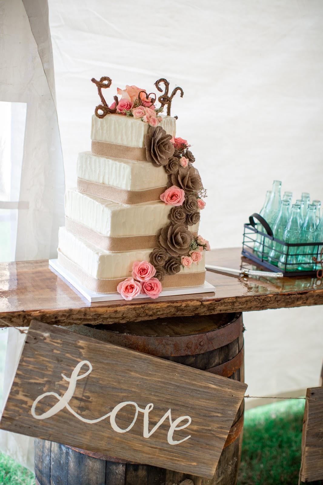 Lori Amp Kennys Backyard Wedding The Southeastern Bride