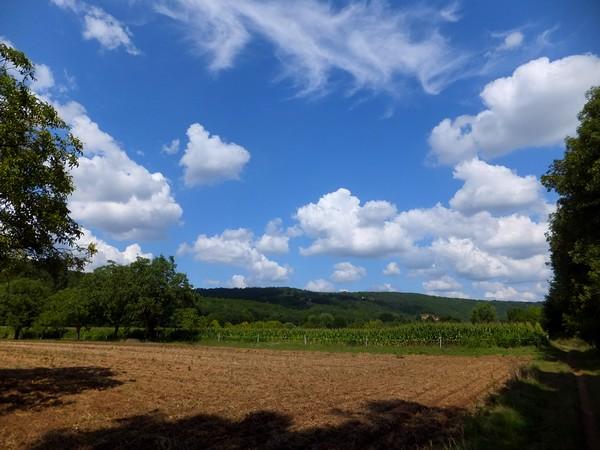 Dordogne Vézère Saint-Léon-sur-Vézère randonnée roc